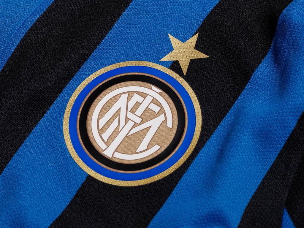 Pemain Tengah Andalan Inter Milan Terancam Absen