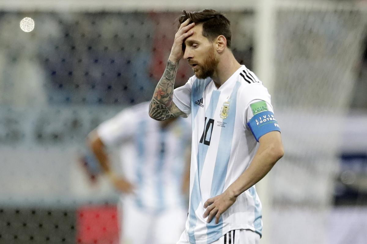 Xavi Menilai Lionel Messi Terlalu Terbebani Di Timnas