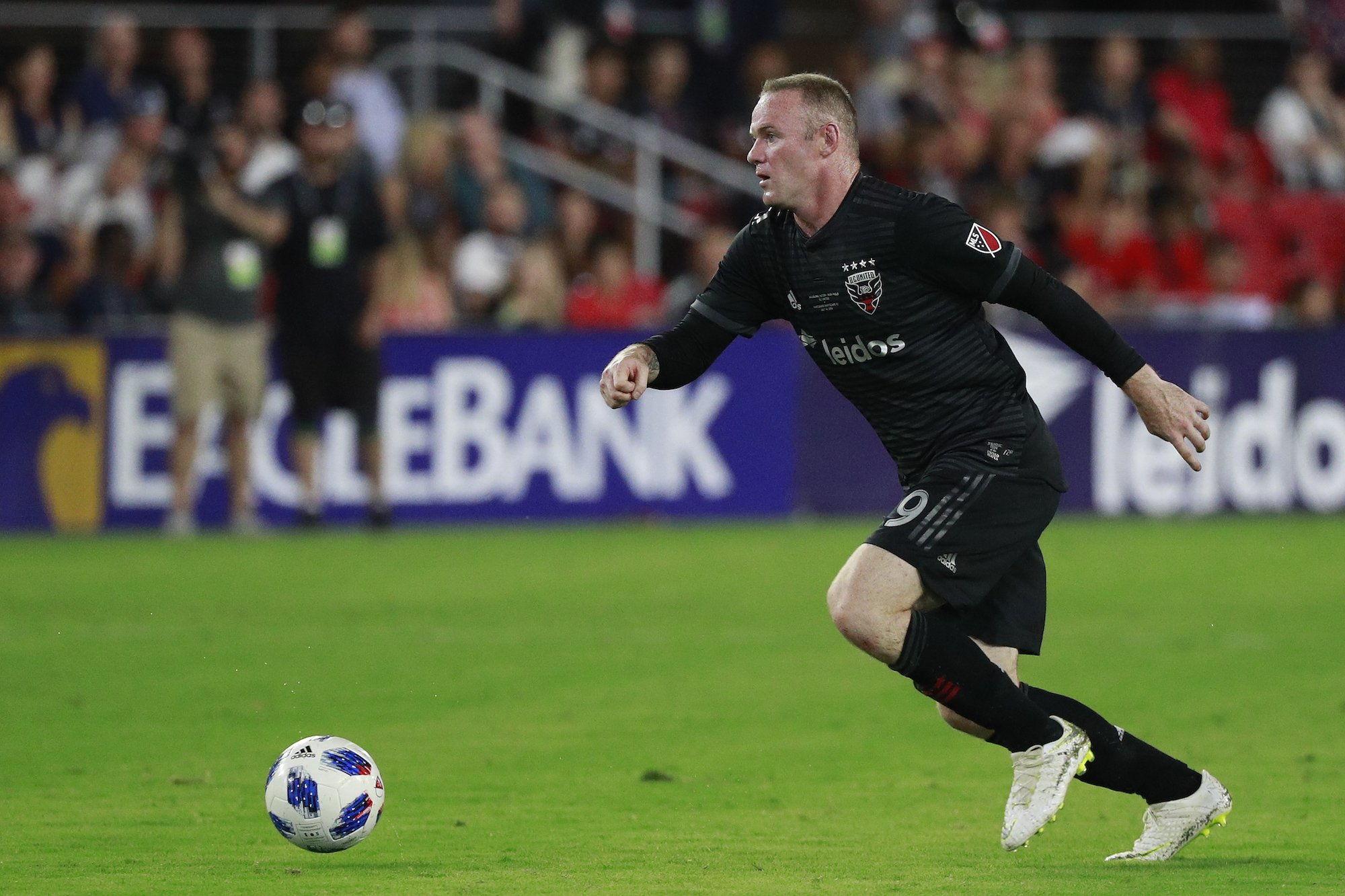 Gagal Eksekusi Penalty, Wayne Rooney Kecewa
