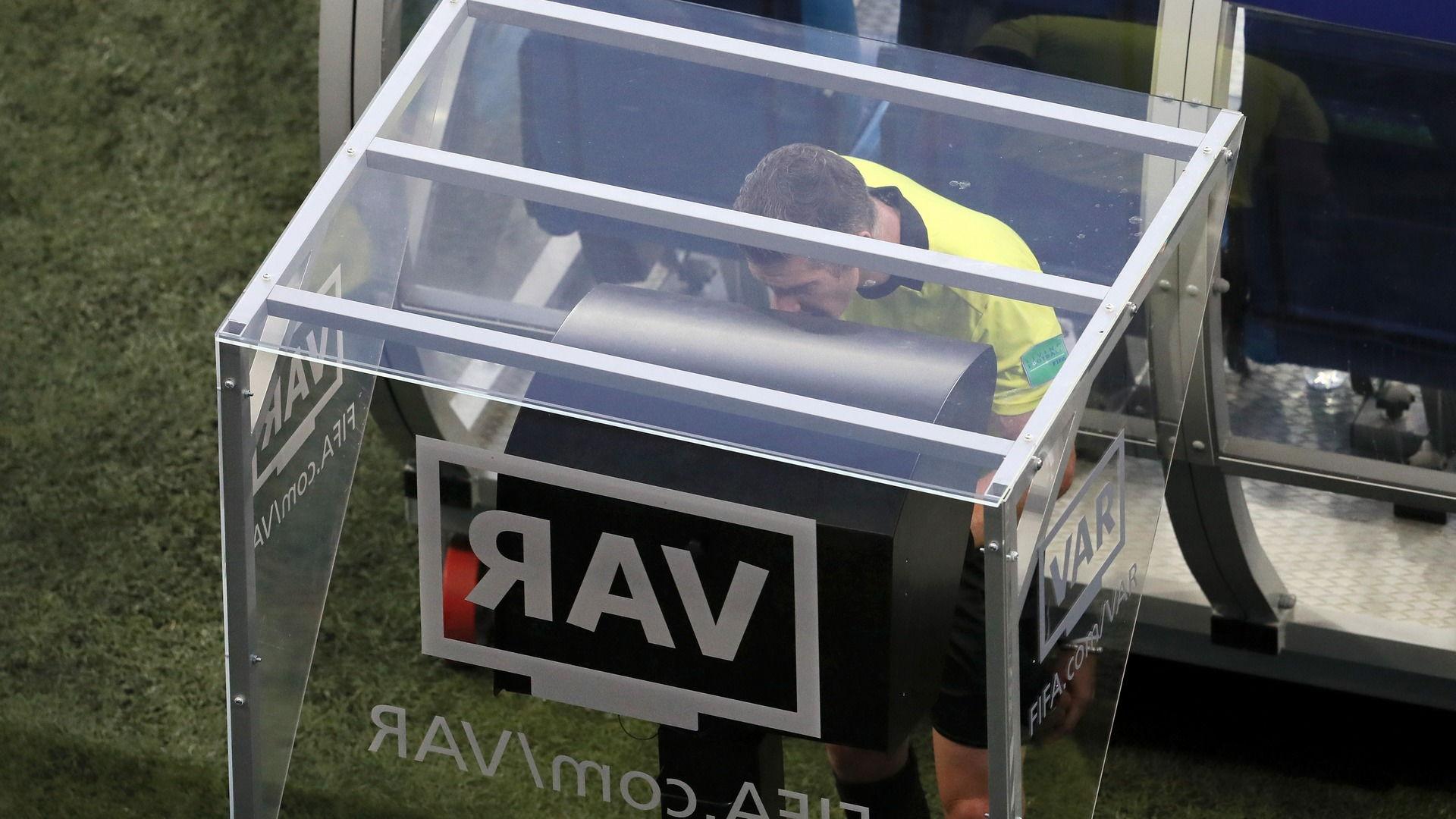 VAR Resmi Di Gunakan Pada 16 Besar Liga Champions