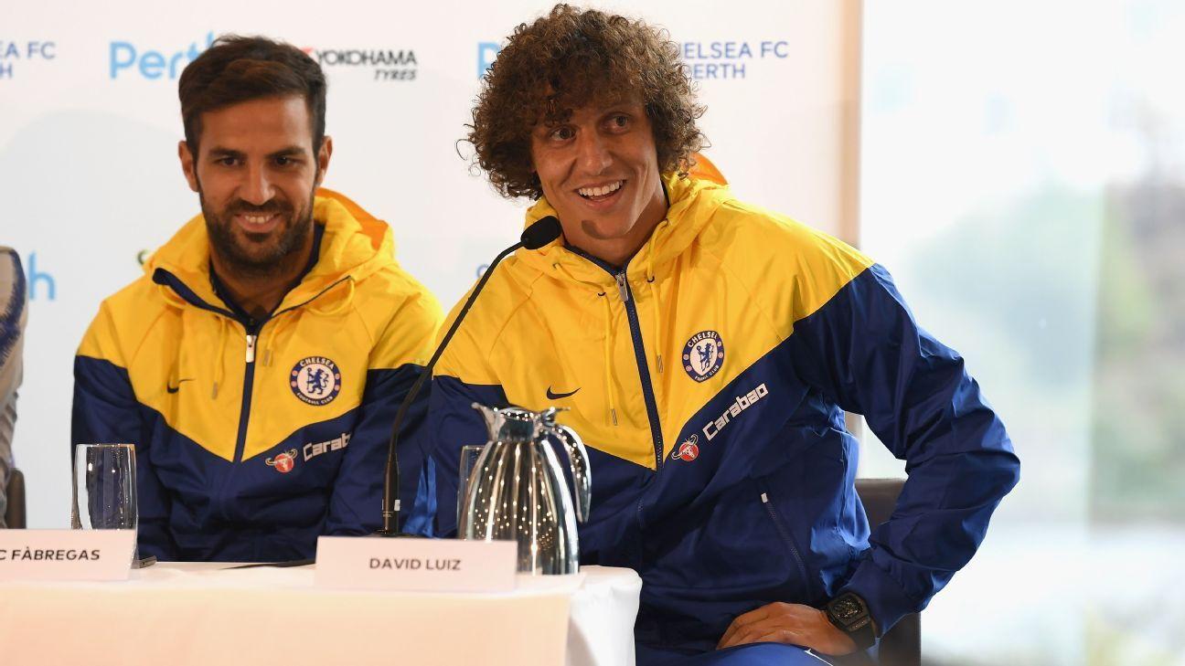 Sarri Berharap David Luiz Dan Fabregas Bisa Bertahan