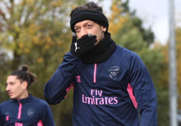 Mesut Ozil Kemungkinan Main Lawan Tottenham