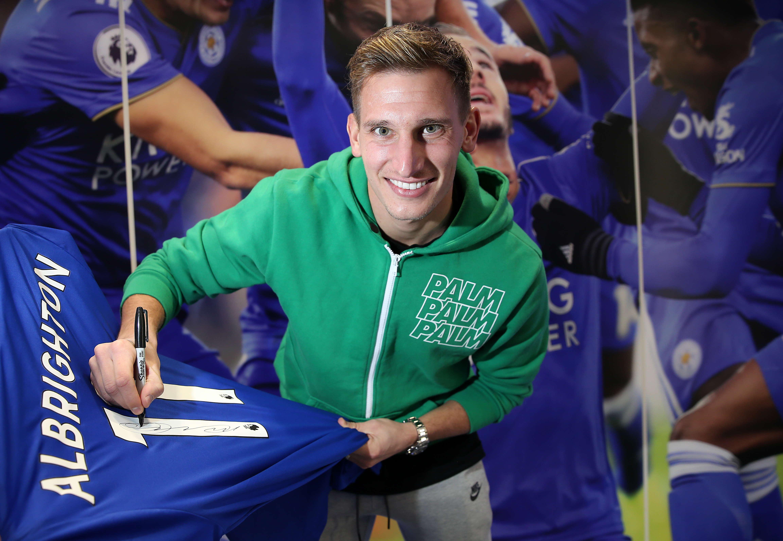 Albrighton Menandatangani Kontrak Baru Dengan Leicester