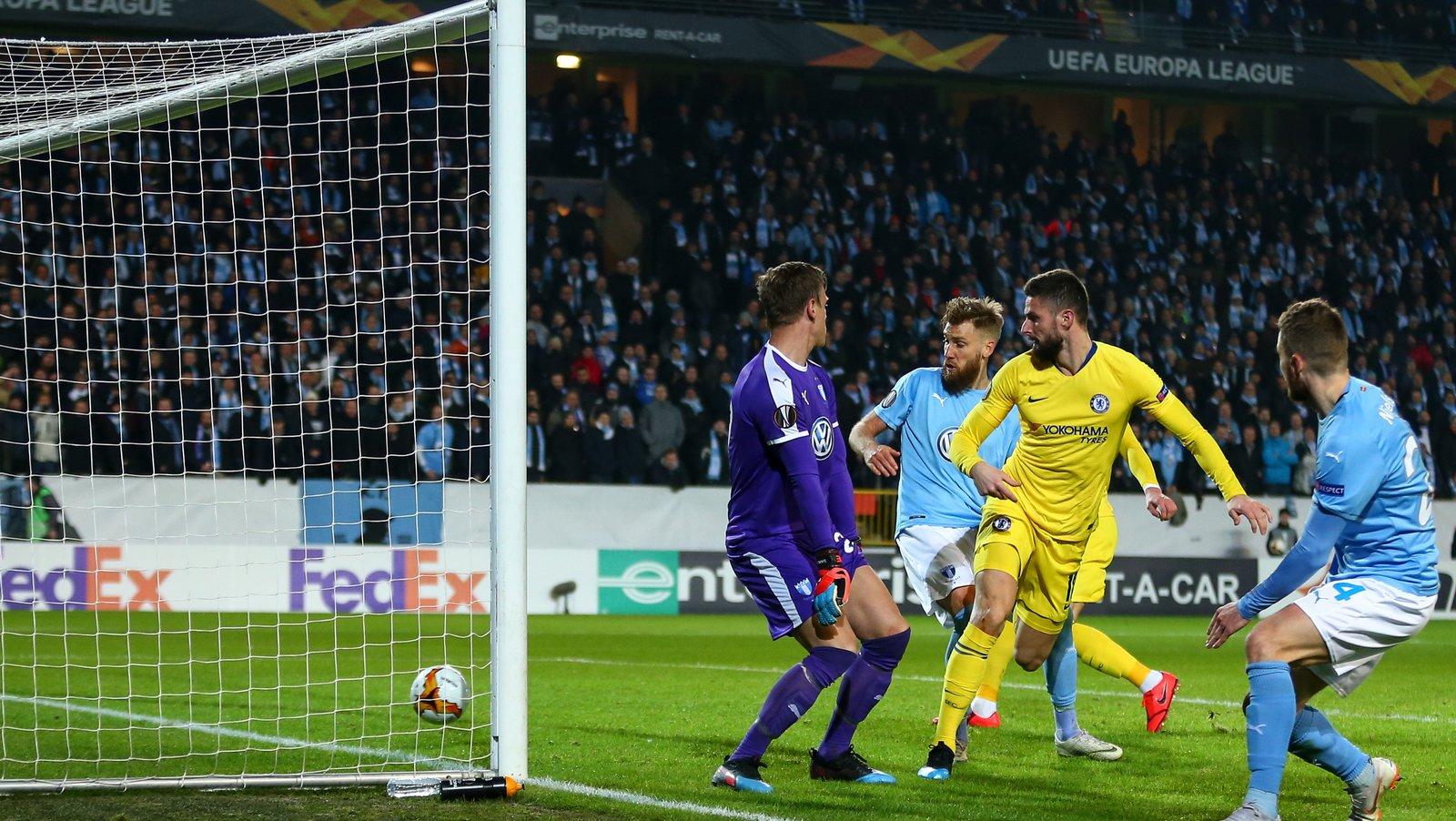 Giroud Berharap Chelsea Berikan Kontrak Baru