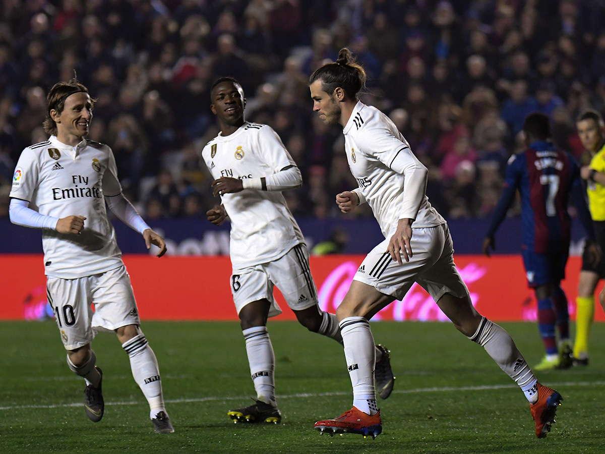 Berbatov : Gareth Bale Harus Kembali Ke Inggris