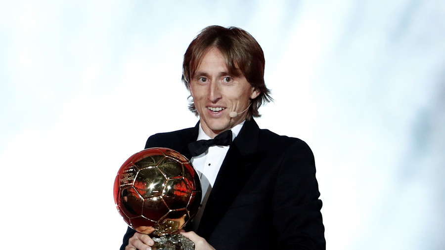 Ibrahimovic Senang Modric Raih Penghargaan Individu