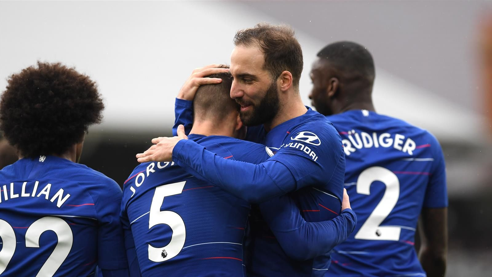 Mourinho Dukung Higuain Berkembang di Chelsea
