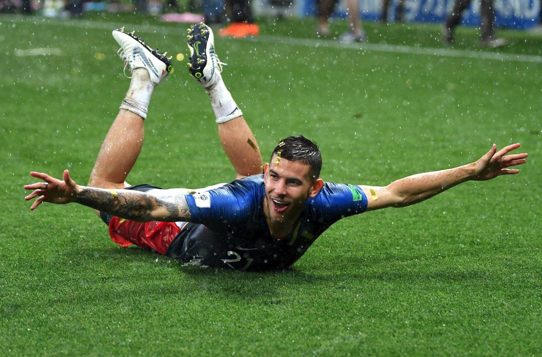 Resmi : Bayern Munich Rekrut Lucas Hernández