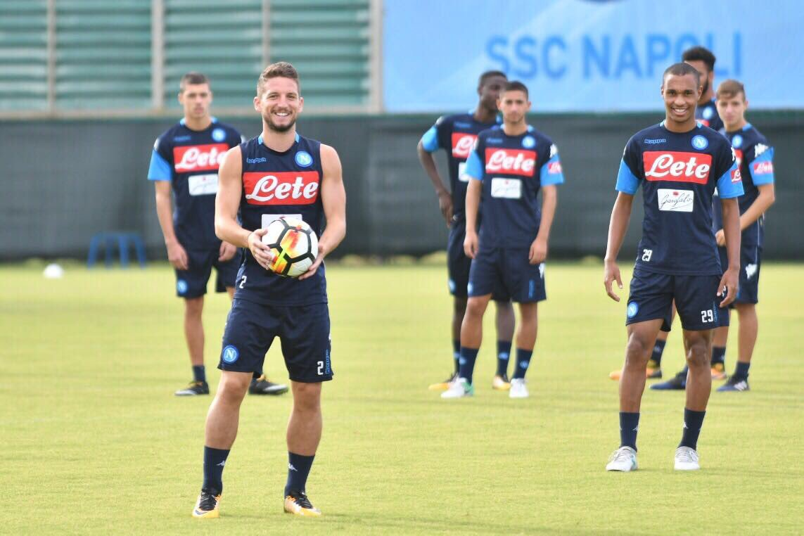 Mertens Yakin Napoli Bisa Kalahkan Juventus