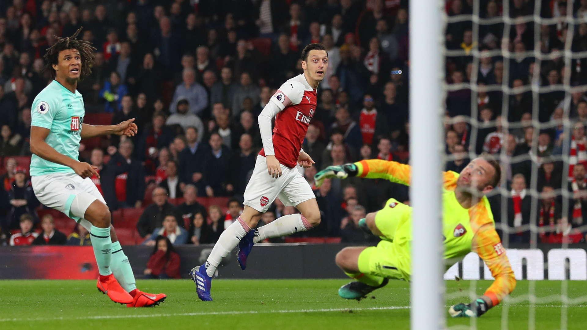 Emery : Ozil Merasa Lebih Bahagia Di Arsenal