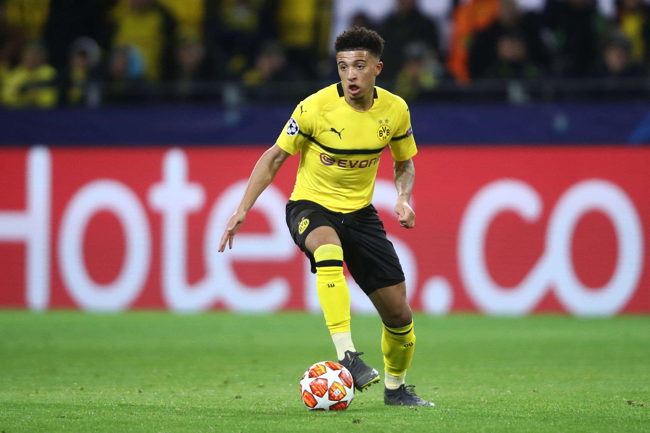 Michael Zorc : Jadon Sancho Tetap Di Dortmund Musim Depan
