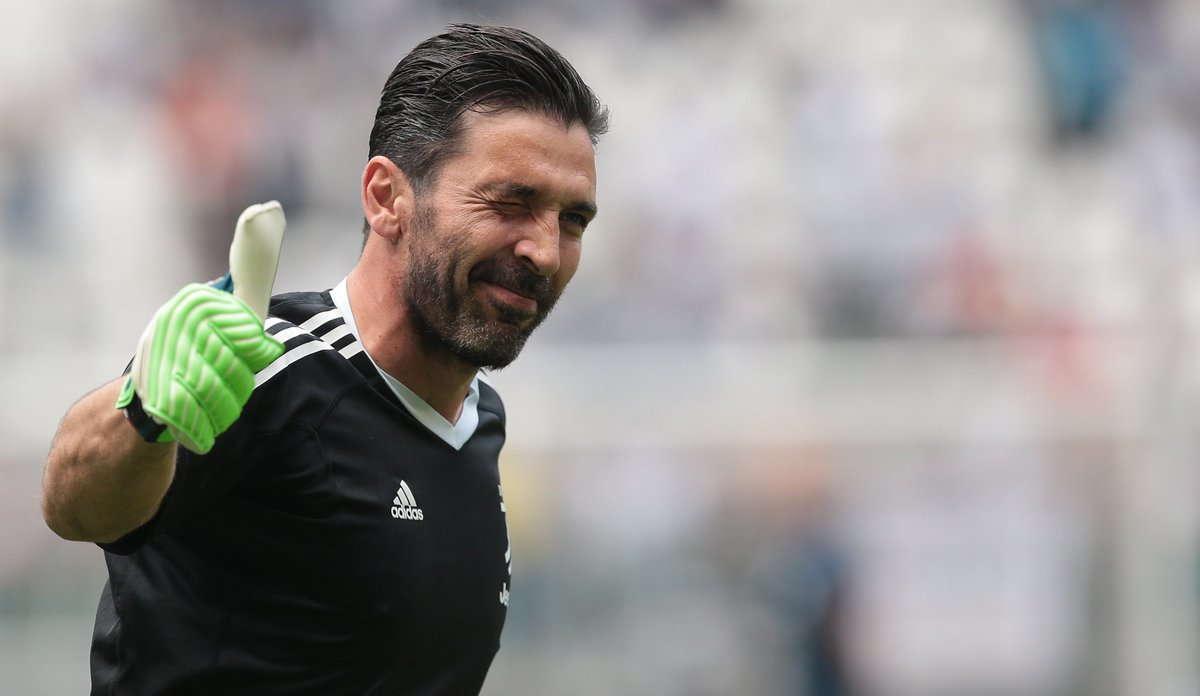 Gianluigi Buffon Ungkapkan Ketertarikan Dari Manchester
