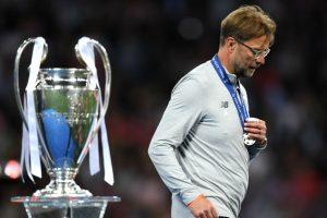 Neville Sarankan Klopp Untuk Kalah di Liga Champions