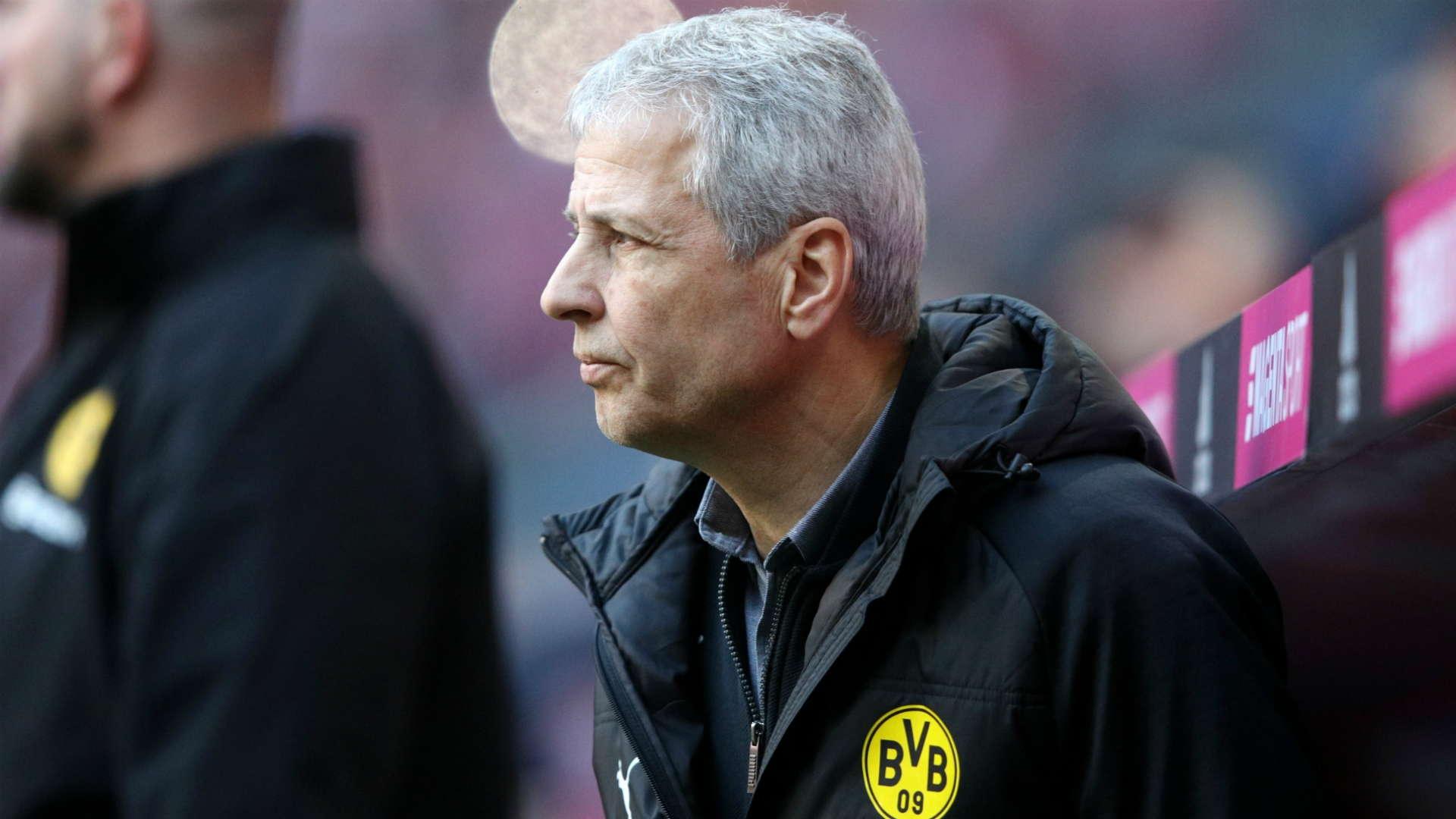 Favre : Dortmund Terlalu Banyak Memikirkan Gelar