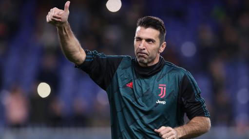 Gianluigi Buffon Akan Terus Bermain Sepak Bola